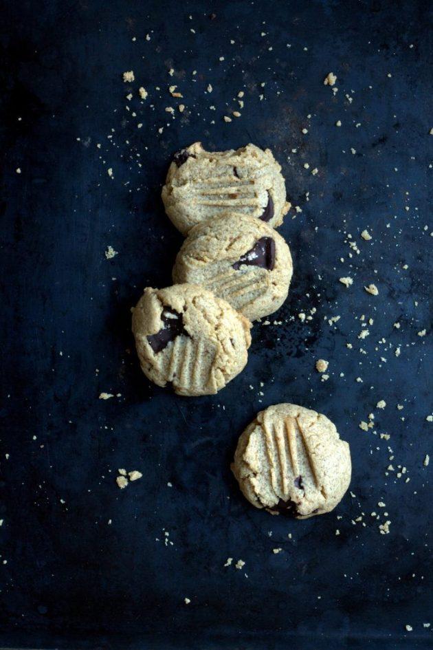 Cookies au beurre de cacahuètes et aux pépites de chocolat noir